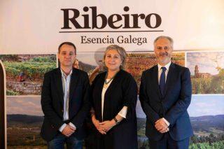 """A D.O. Ribeiro premia ao asador """"Los Abetos"""" de Nigrán, á tenda """"Valladares"""" de Santiago e ao bar """"Derby"""" de Vilagarcía"""