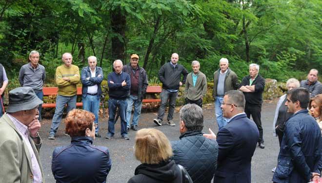 Reunión de Medio Rural cos veciños de Osmo, en Cenlle.