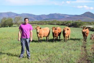 """""""La gente joven puede vivir de la ganadería con calidad de vida y con un salario digno"""""""
