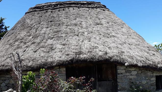 El tejado de paja de las pallozas suele durar entre 20 y 25 años.