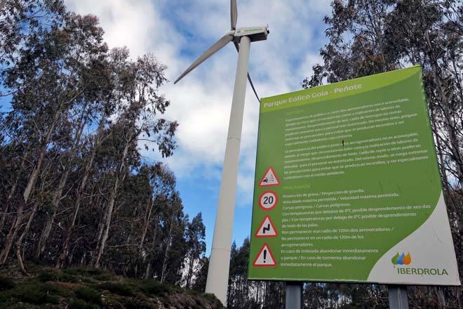 Parque eólico ubicado en terreos da Comunidade de Montes de Lousada, en Xermade