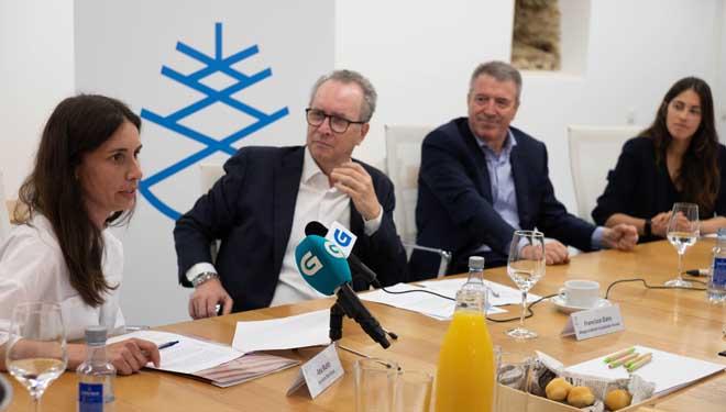 Ana Busto, Francisco Dans, José Carballo e María Sánchez, na presentación da Fundación Arume.