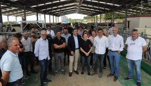 El conselleiro, José González, también visitó las instalaciones en la jornada de puertas abiertas.