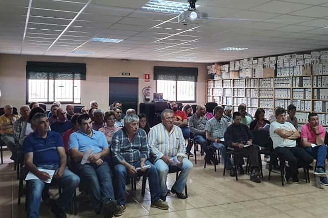 A asemblea de Cobideza aproba negociar unha integración con Mopán