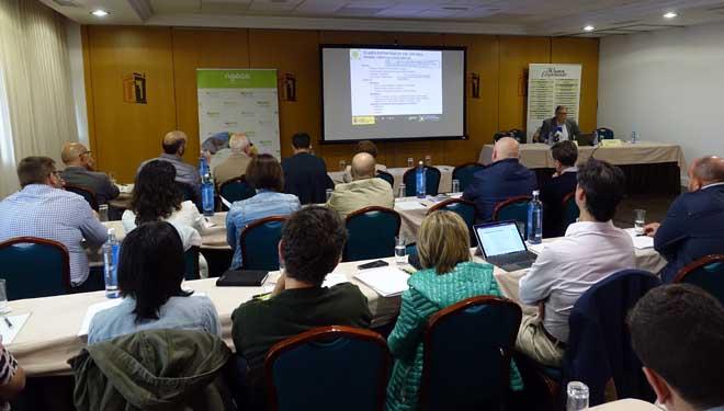 Jornada sobre el sector lácteo desarrollada ayer por Agaca en Santiago.