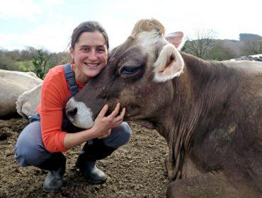 Ganadería A Cernada, la ilusión por continuar transformando leche ecológica
