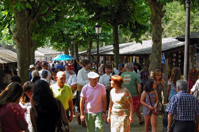 Ambiente da Feira de Artesanía de Castroverde. Foto: Manuel Fuentes
