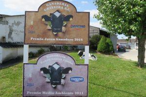 Levan máis de 30 anos entregando o leite a Danone