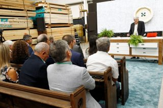 'Innovación e formación, eixos da axenda da Xunta para a industria forestal'
