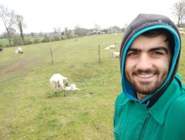 """""""Al estar en una granja de fuera ves otras formas de trabajar y valoras lo que hacemos aquí"""""""