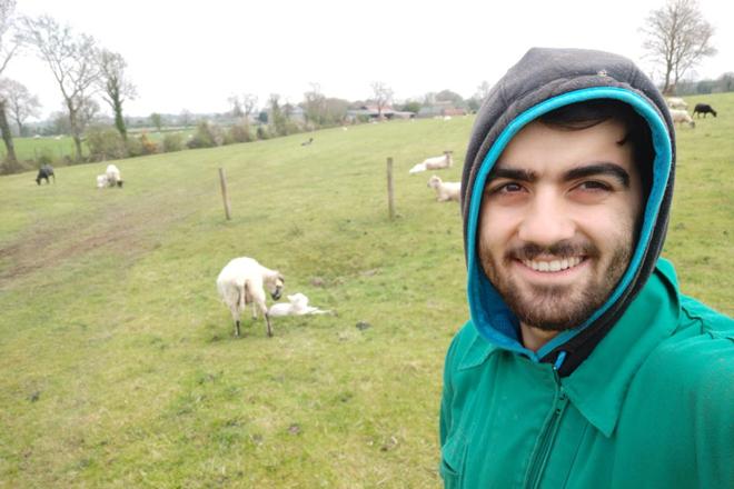 Mario-Nieto-estudande-EFA-Fonteboa-en-Irlanda-ganderia-ovino-