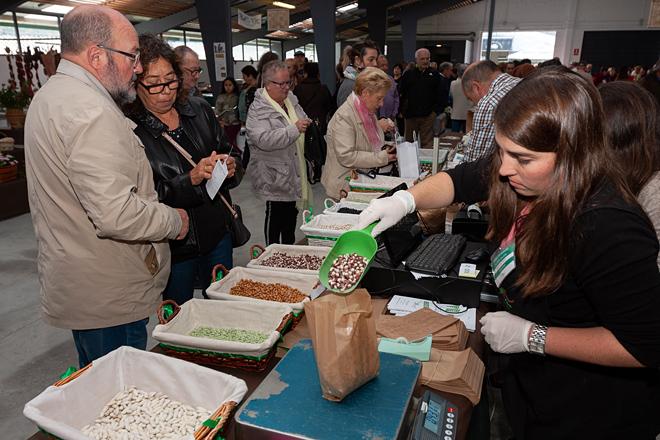 A faba, un cultivo con moitas posibilidades, celebra a súa feira en Moeche este sábado