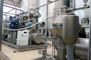 Contan con maquinaria para desnatar e concentrar o soro, que logo comercializan como fonte de proteína a outras empresas alimentarias