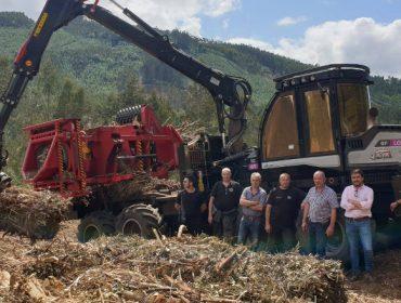 Greenalia recibe las primeras máquinas que retirarán la biomasa de los montes gallegos