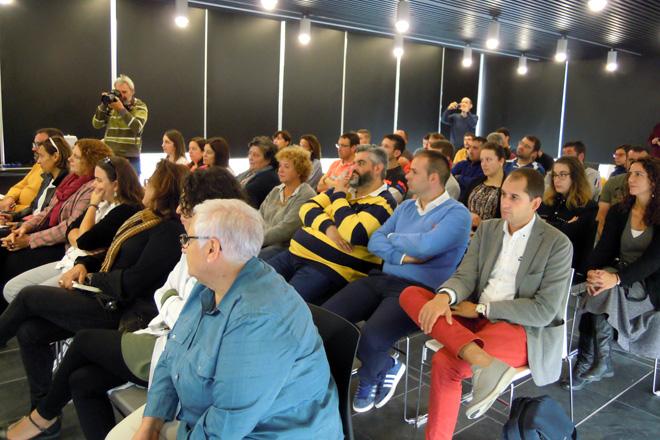 Asistentes á charla sobre como limpar o tanque celebrada no Cetal