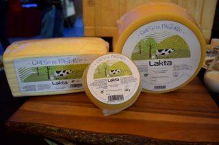 A cooperativa AgroCantabria lanza unha liña de queixos, apostando polo leite de pastoreo