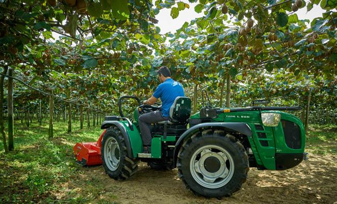 BCS Group deseñou un tractor caracterizado pola maniobrabilidade e versatilidade, pensado para o traballo entre liñas.