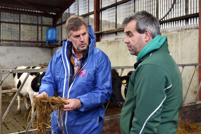 """""""Una ganadería es sostenible si produce leche a bajo coste"""""""