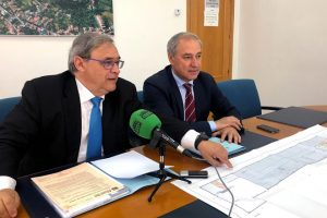 Jesús Hernández Bleda junto al alcalde de Monforte, José Tomé Roca