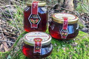 O mel que envasan dentro da IXP foi premiado na última Cata dos Meles de Galicia