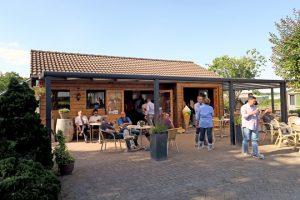 A xeadería está situada a carón da granxa e recibe visitas e excursións