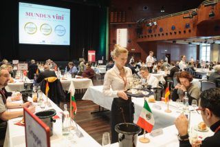 """14 medallas para os viños galegos en """"Mundus Vini"""", o maior certame de Alemaña"""
