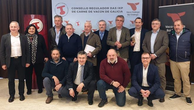 Imagen de grupo tras la presentación del balance de las IGPs de Vacuno de Galicia.