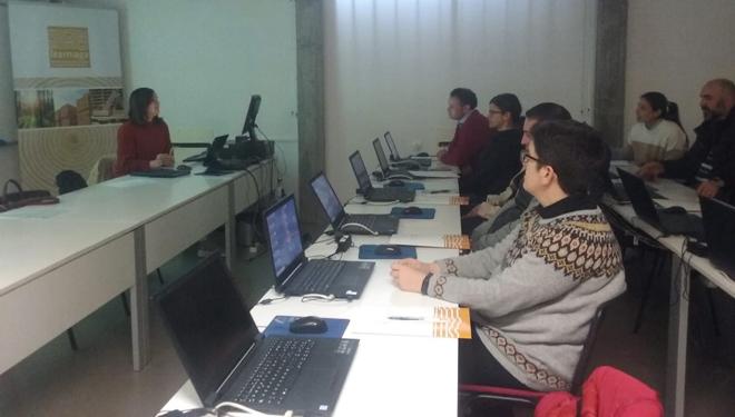 Curso sobre a administración electrónica para a xestión das producións agrarias en Becerreá e Lalín