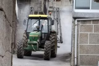Sulfatadoras contra o coronavirus: A Galicia rural organízase para frear o Covid-19