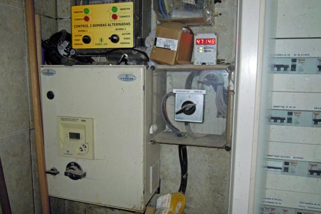 Sistema de condensadores para eliminar a enerxía reactiva
