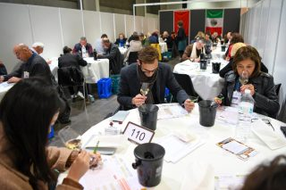 Os viños galegos triunfan en Francia no concurso internacional Challenge du Vin