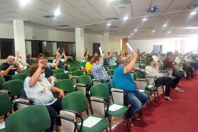 La asamblea anual celebrada este viernes tuvo lugar en el Pazo de Feiras de Lugo extremando las medidas de distanciamiento entre el medio centenar de socios participantes