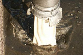 Incorporación de Calcimag Flow a una balsa de purín.