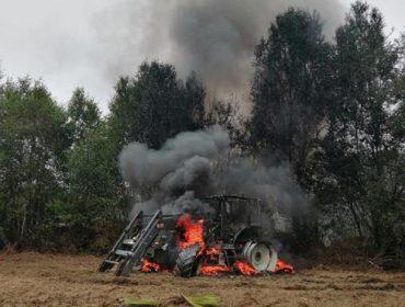 Denuncian que arde un tractor en Guitiriz por erros nos servizos de extinción