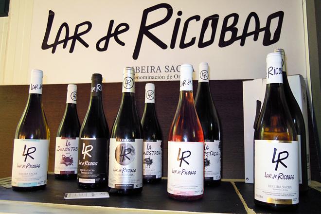 Elaboran sete viños distintos, que representan as distintas fincas e variedades que traballan
