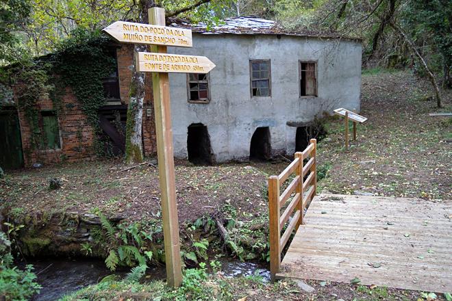 Rodeando os terreos da aldea modelo a Comunidade de Montes recuperou unha ruta de sendeirismo
