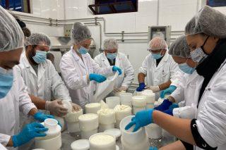 Remata o curso de elaboración de produtos lácteos no CFEA Pedro Murias