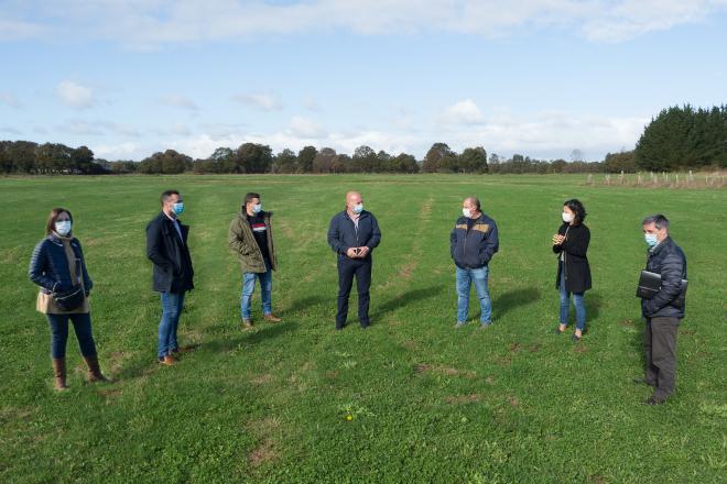 O Concello de Friol lanza o primeiro proxecto piloto de Galicia para reorganizar as fincas agrícolas a través de permutas