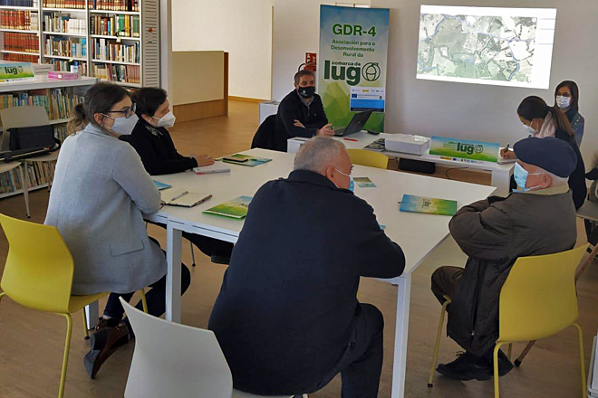 Reunión auspiciada por el GDR de la Comarca de Lugo el pasado 22 de noviembre entre distintos propietarios dentro del proyecto piloto de permutas voluntarias de fincas