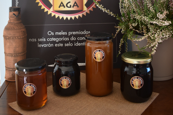Gañadores do concurso Meles 5 Estrelas da Asociación Galega de Apicultura