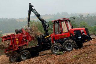 Así funcionan as 30 compactadoras forestais de Greenalia que procesan 500.000 toneladas de biomasa en Galicia