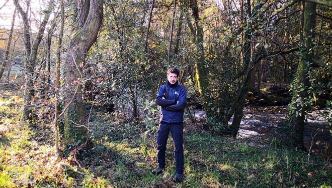 Eloi Rodríguez, en una zona de restauración fluvial.