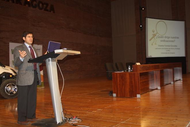 Vicente Ferreira - LAAE