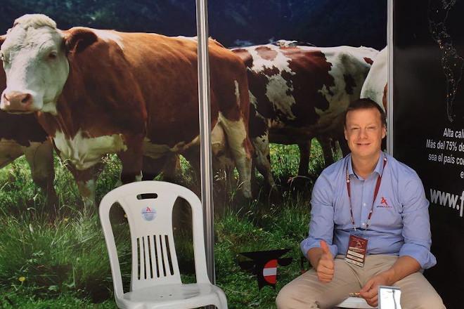 """""""Nuestro objetivo con la raza Fleckvieh es proporcionar animales productivos y robustos, los cuáles ofrezcan al ganadero un máximo de rentabilidad y eficacia"""""""
