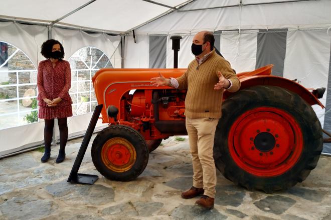 Muvicla - Exposicion Marcas Automocion Fabricantes de Maquinaria Agricola
