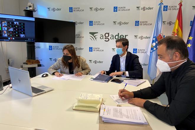 A directora xeral da Axencia Galega de Desenvolvemento Rural, Inés Santé, explicou por videoconferencia as axudas aos responsables dos 24 GDR galegos