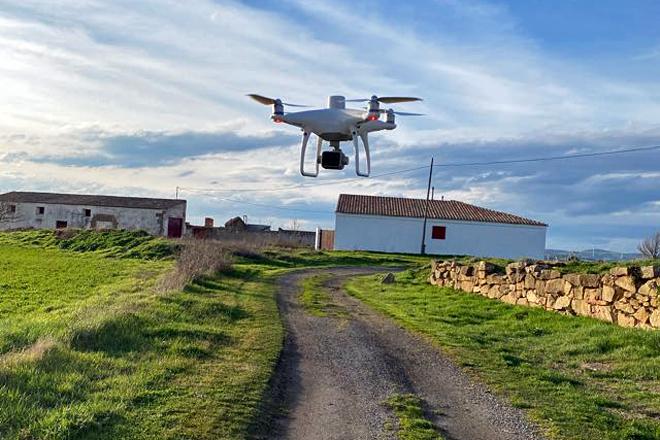 Marcos dispone de un dron multiespectral