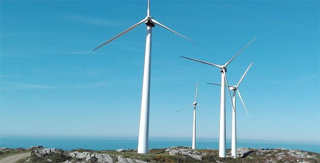 Parque eólico da empresa EDF en Corme, ubicado en Rede Natura e repotenciado nos últimos anos