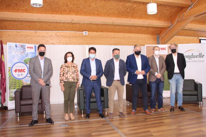 Participantes en el coloquio sobre sostenibilidad