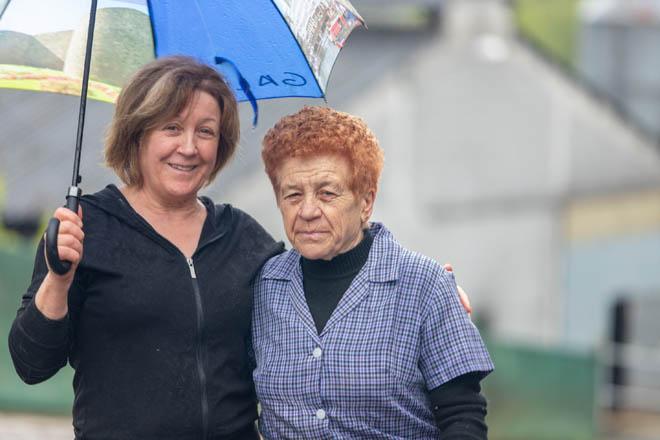 Ana Chao, coa súa nai.